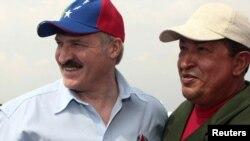 Лукашэнка з Чавэсам наведваюць будоўлю ў Вэнэсуэле, 2010 год