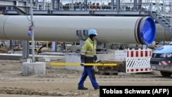 Илустрација: Изградба на гасоводот Северен тек 2