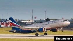 Самолёт российской авиакомпании «Аэрофлот» в аэропорту Праги.