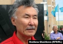 Архитектор Орал Алибаев, автор монументального фона скульптуры жертвам Голодомора.