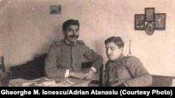 Prizonieri români. Gheorghe M. Ionescu în dreapta