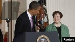 Președintele Barack Obama anunțînd nominalizarea Elenei Kagan în funcție în 2010