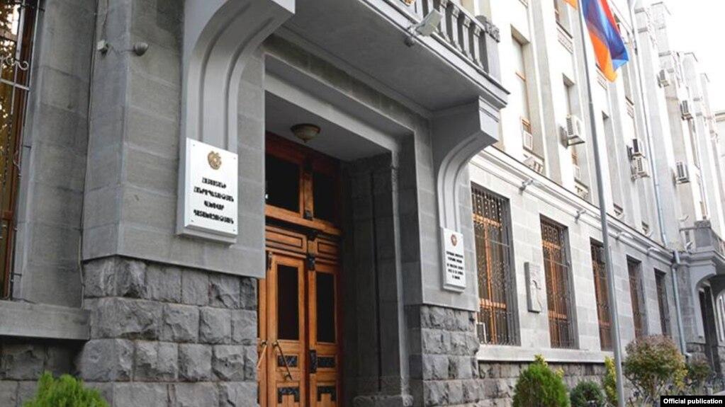 Бывший директор школы в армянском городе Артик заподозрили в крупной растрате