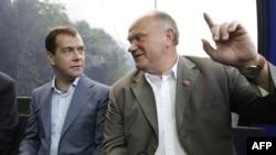 Дмитрий Медведев и Геннадий Зюганов