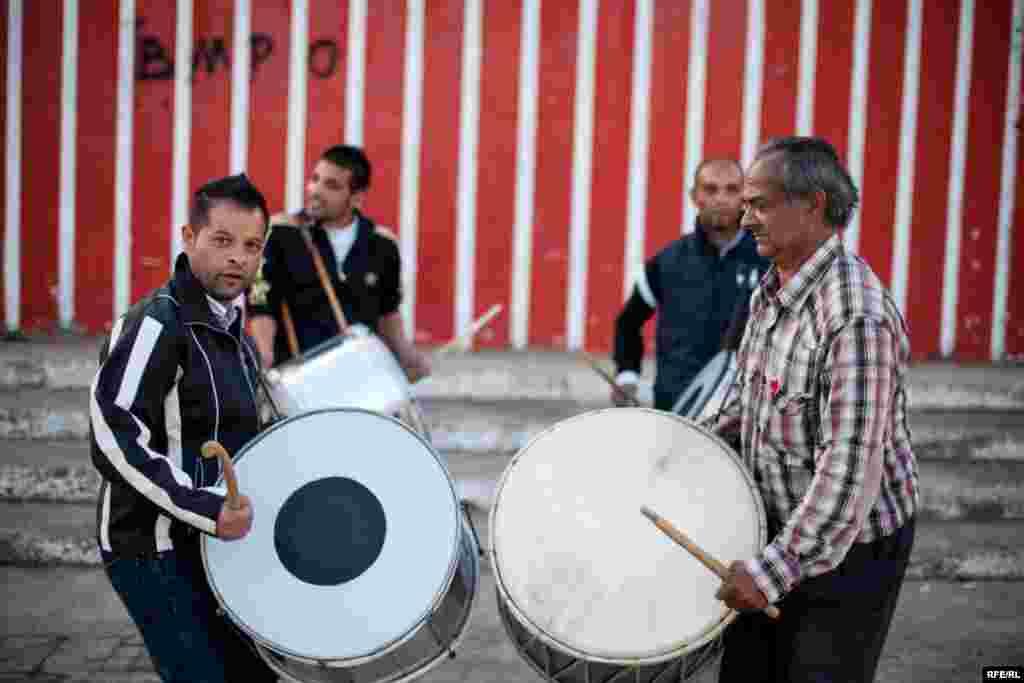 The Drummers Of Macedonia's Semka Band #22