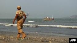 یک سرباز نیروهای دولتی عبد ربه منصور هادی در عدن