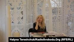 Дарія Альошкіна і її витинанки
