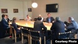 London, Chatham House, Cəmil Həsənli və Erkin Qədirli, 12 sentyabır 2013