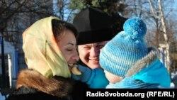 Супруги Бойко с сыном Владимиром. Киев, 5 марта 2013 года.