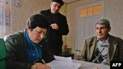 Итогом горячей дискуссии в парламенте Южной Осетии стало открытое голосование. Депутаты почти единодушно выступили за то, чтобы рекомендовать правительству отменить постановление семилетней давности