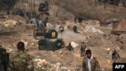 Pamje nga avacnimi i djeshëm i forcave të qeverisë së Irakut kah aeroporti i Mosulit