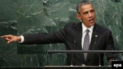 АҚШ президенті Барак Обама БҰҰ Бас ассамблеясы сессиясында сөйлеп тұр. Нью-Йорк, 27 қыркүйек 2015 жыл.