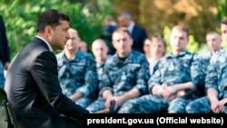 Ուկրաինայի նախագահ Վլադիմիր Զելենսկին զինվորականների հետ, արխիվ