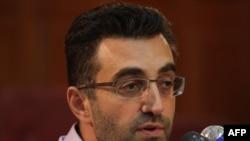 مازیار بهاری، خبرنگار نیوزویک، در کنفرانسی خبری خبرنگاران خارجی را به جاسوسی متهم کرد.