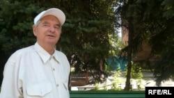 Писатель Герольд Бельгер. Алматы, август 2009 года.