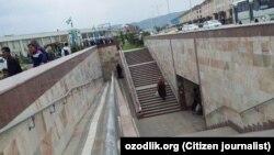 Подземный переход рядом с рынком «Ором» в городе Джизаке.