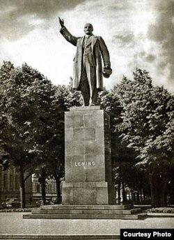 Памятник Ленину в Риге