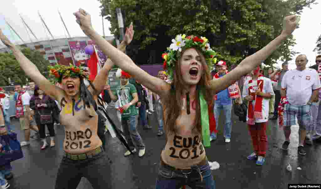 "Shachko (right) staging a protest in Kyiv in 2012. A July 24 post on Femen's website said ""RIP. The most fearless and vulnerable Oksana Shachko has left us."""