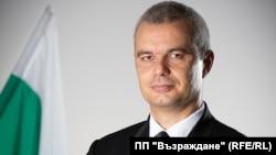 На последните местни избори във Варна Костадин Костадинов остана втори на балотажа срещу кмета Иван Портних от ГЕРБ