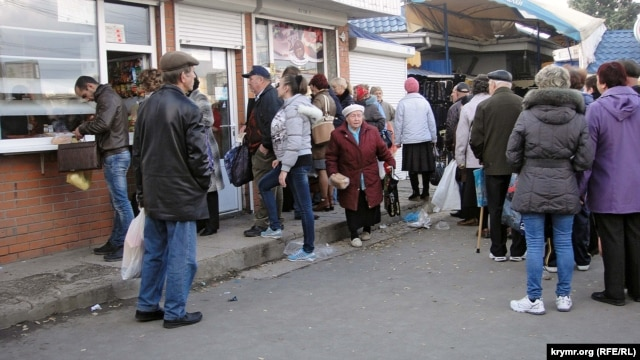 Bread in Simferopol is in short supply due to the constant power outages.