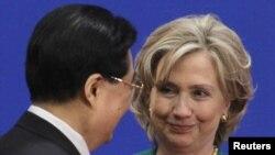 Хиллари Клинтон и руководитель КНР Ху Цзиньтао