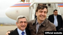 Georgia -- Armenian President Serzh Sarkisian meets his Georgian counterpart Mikheil Saakashvili, Batumi, 27Feb2010