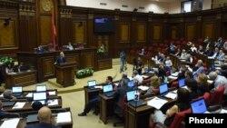 Armenia - A parliament session in Yerevan, 8Sep2014.