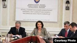 Një nga takimet e Këshillit Kombëtar Kundër Korrupsionit.