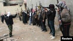 Милиция Фаллуджи готовится к патрулированию города, который пытаются захватить боевики - 5 января, 2014 года