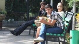 Студенты Казахского аграрного университета в Алматы. Иллюстративное фото.