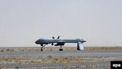Америкалық дрон әуежайда тұр. Ауғанстан.