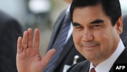 Even some of his competitors urged voters to cast their ballots for Turkmen President Gurbanguly Berdymukhammedov.