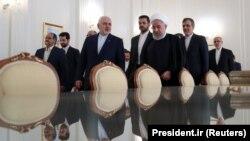 Hassan Rohani Mohammad Javad Zarif ilə görüşdə, 6 avqust, 2019-cu il