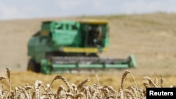 """A sharp drop in Azerbaijani wheat production has resulted in the country being identified by Oxfam as one of four food insecurity """"hotspots."""""""