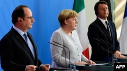 Франция президенті Франсуа Олланд (солдан оңға қарай), Германия канцлері Ангела Меркель және Италия премьері Маттео Ренци. Берлин, 27 маусым 2016 жыл.