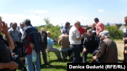 Meštani sela Ograde i Krnjače