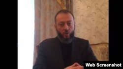 Ингушский оппозиционер Магомед Хазбиев (скриншот одного из его видеообращений)