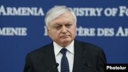 И.о. министра иностранных дел Армении Эдвард Налбандян (архив)