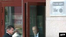 Спор российских и британских акционеров ТНК-ВР завершится с уходом Дадли