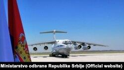 U Beograd stigao prvi avion sa pomoći iz Rusije
