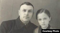 Николай мен Нина Климовичтер. 1953 жыл. (Отбасылық мұрағат суреті).