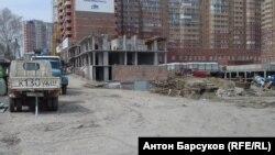 Незавершенное строительство дома в Новосибирске