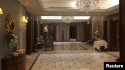 Интерьер номера отеля Ritz Carlton в Эр-Рияде, где находился под арестом принц Аль-Валид бин Талал, 27 января 2018 года.