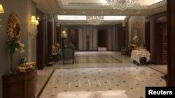 Интерьер номера отеля Ritz Carlton в Эр-Рияде, где находился под арестом принц Аль-Валид бин Талал, 27 января 2018 года