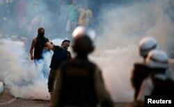 Бразилиядағы шерушілердің полициямен қақтығысы. Сальвадор қаласы, 20 маусым 2013 жыл.