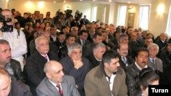 Qurultay iştirakçıları Akif Şahbazovu partiya sədri seçiblər