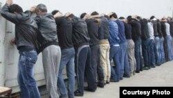 Задержанные мигранты из Таджикистана