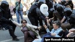 Задержания на акции 1 мая в Санкт-Петербурге