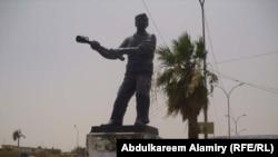تمثال العامل في البصرة للنحات عبد الرضا بدور