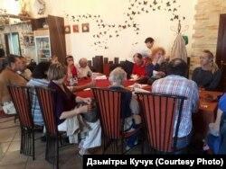 Круглы стол падчас «Астравецкага шляху» у Заслаўі